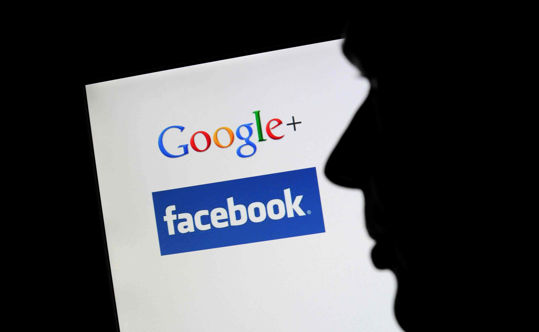 """""""غوغل"""" و""""فيسبوك"""" يوحّدان جهودهما لمواجهة الأخبار الكاذبة"""