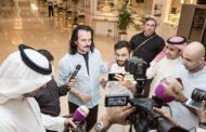 الموسيقار العالمي ياني يصل السعودية