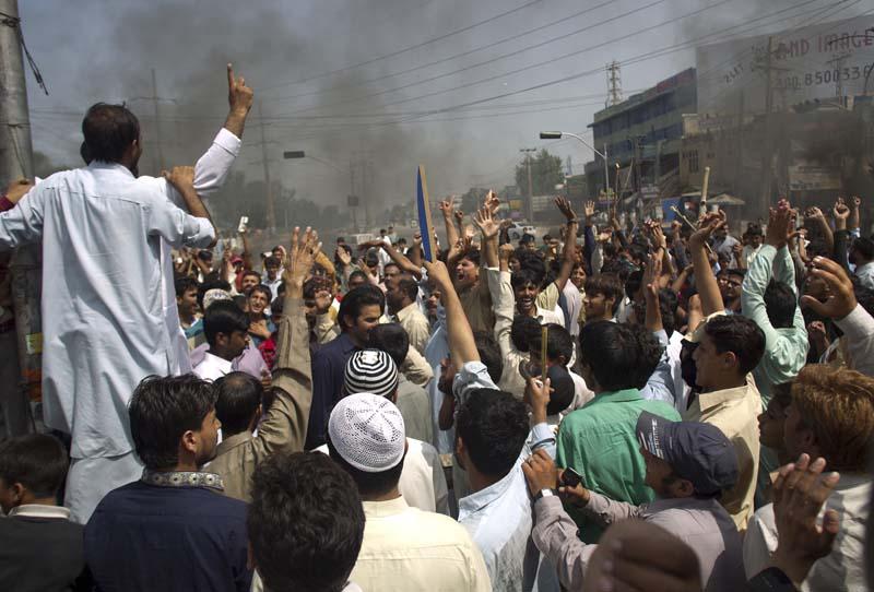 باكستان: حركة «لبيك» توقف التظاهر بعد استقالة وزير العدل