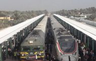 العراق يستعد لإبرام اتفاقيات للنقل الجوي والسكك الحديدية مع السعودية.