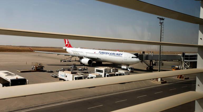 العبادي يوجه بفتح مطاري اربيل والسليمانية أمام الطيران الدولي