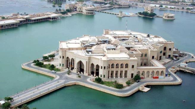الرضوانية... من قصر لإقامة صدام حسين إلى مقر للجامعة الأميركية