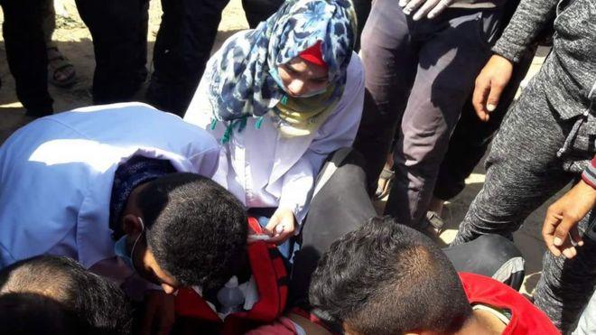 مقتل المسعفة الفلسطينية الشابة رزان النجار
