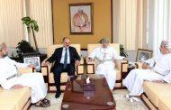 اللامي يبحث مع وزير الإعلام العماني تطوير العلاقات الإعلامية بين البلدين