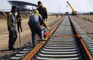 الرئيس الايراني يوجه بمد سكة حديد تربط ايران بالعراق
