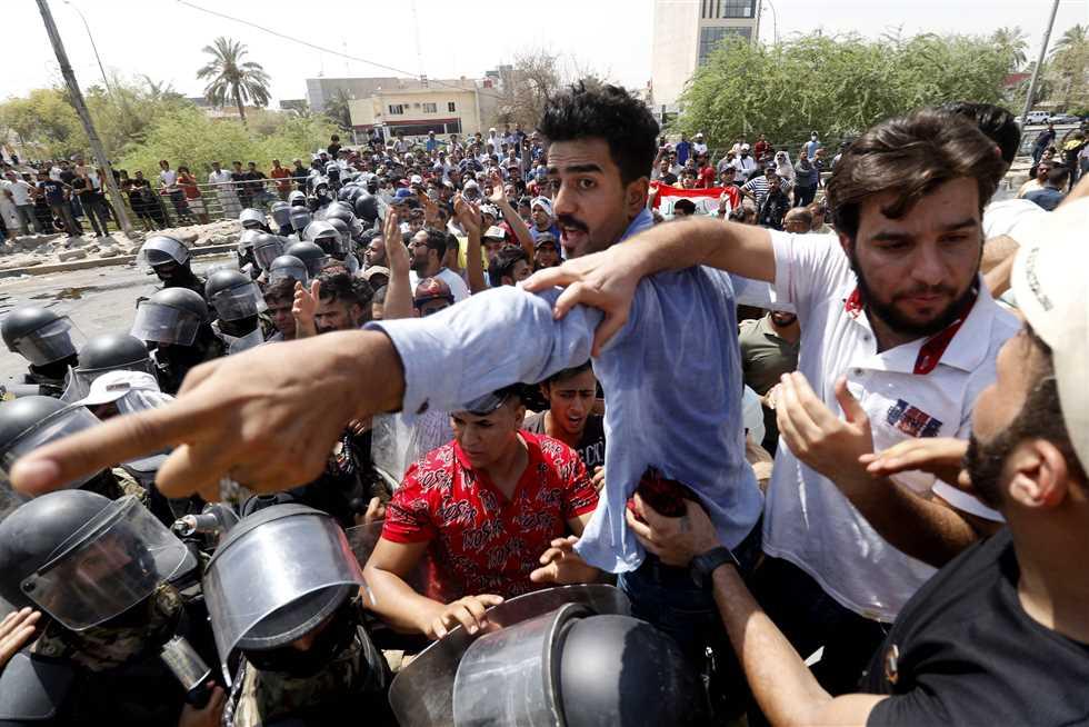 تحقيق البصرة تطلق سراح ٨ متهمين ممن شاركوا في تظاهرات المحافظة