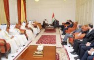 صالح وعبد المهدي يستقبلان نائب رئيس الوزراء القطري كلا بمكتبه