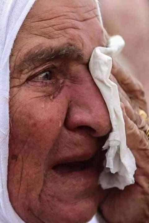صورة أبكت ملايين الجزائريين