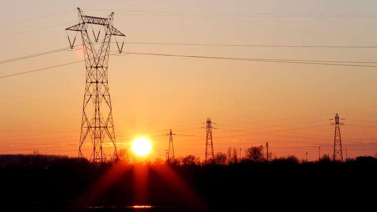 السعودية تزود العراق بالكهرباء