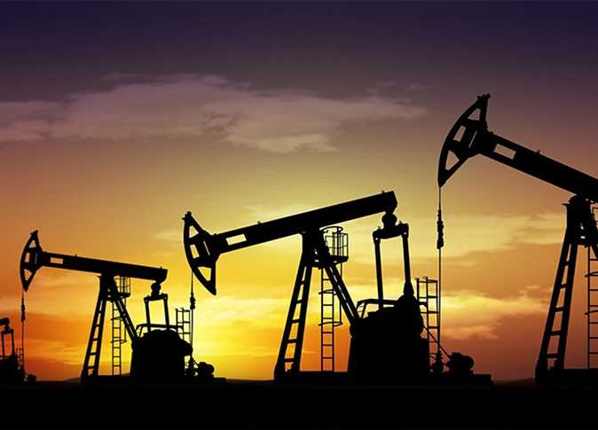 أسعار النفط تحافظ على مكاسبها بعد سحب مخزون الخام الأمريكي